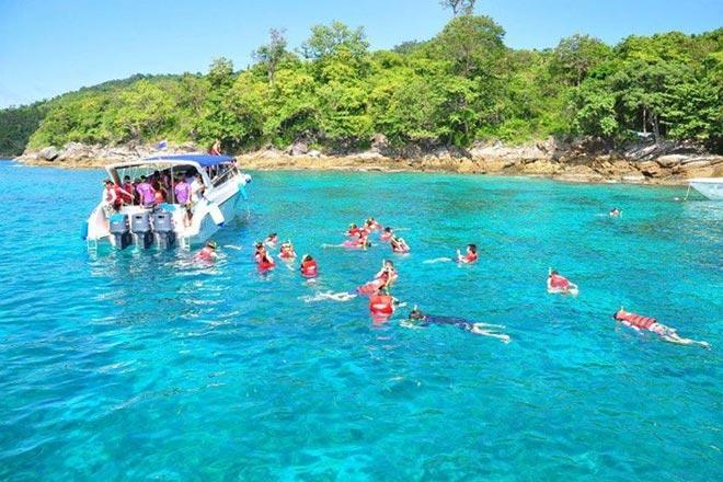 Raya & Coral Island